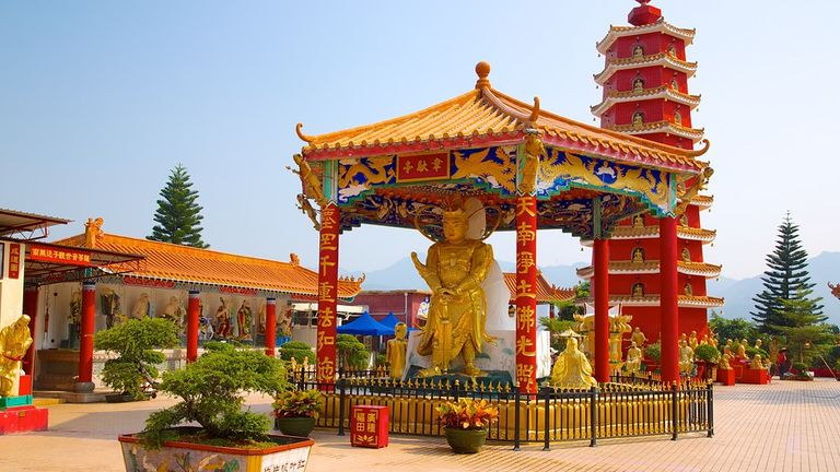 10,000 Buddhists Monastery